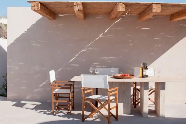 Santorini Airbnb house